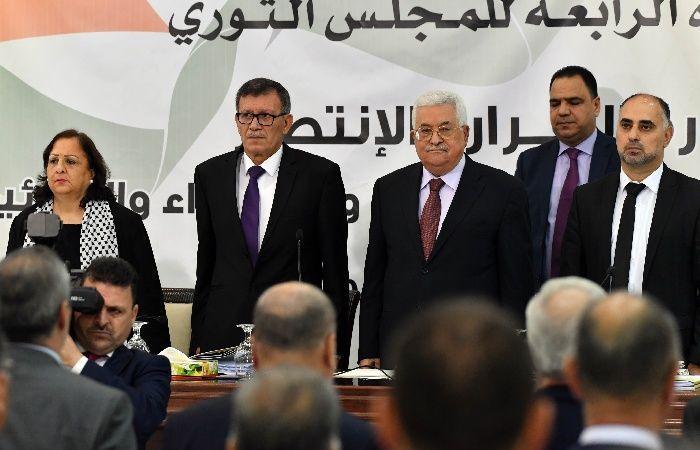 """فلسطين   خولة الأزرق نائبا لأمين سر المجلس الثوري لحركة """"فتح"""""""