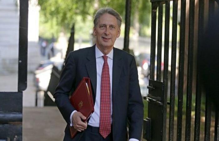 وزير المال البريطاني يعتزم الاستقالة في حال تولي جونسون رئاسة الوزراء