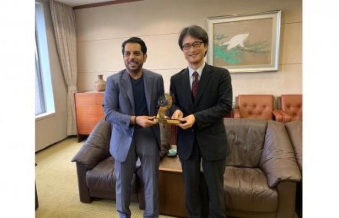 """مالية الشارقة تبحث تعزيز التعاون مع بنك اليابان للتعاون الدولي"""""""