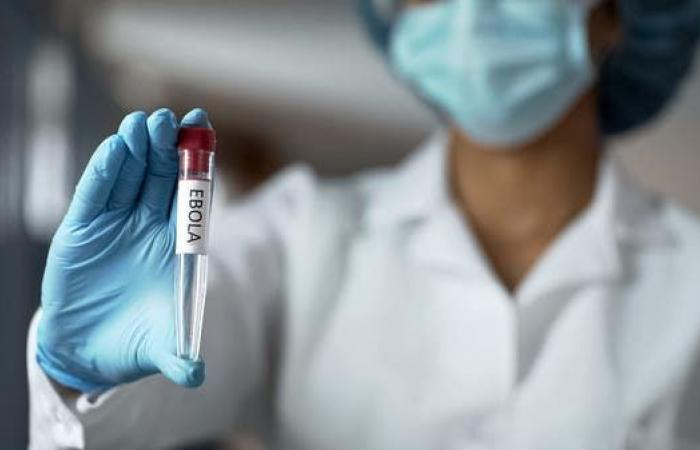 """""""لقاح غير فعال"""".. الإيبولا تطيح بوزير الصحة بالكونغو"""