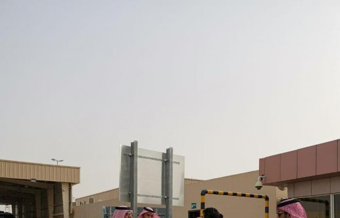 الخليح   أولى طلائع حجاج البر من اليمن تصل منفذ الوديعة