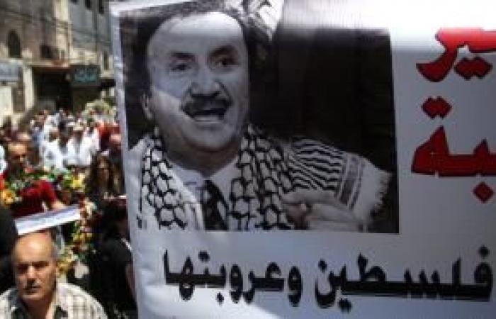 فلسطين | جماهير غفيرة تشيع جثمان بسام الشكعة في نابلس