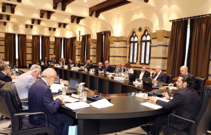 لبنان «على أبواب» تسويةٍ تُفْرِج عن حكومةِ «الجلسات المُعَلَّقَة»
