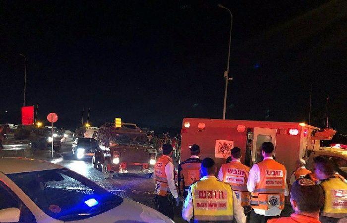 فلسطين   إطلاق نار تجاه فلسطيني بزعم محاولته طعن شرطي في الخضيرة