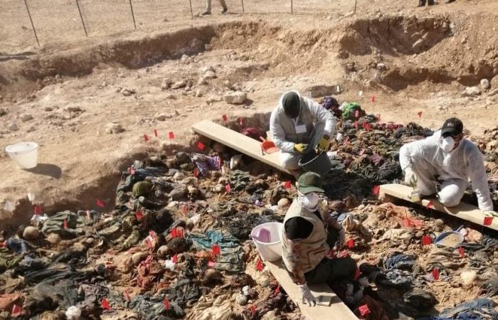 العراق   الكشف عن جثث 70 امرأة وطفلاً عراقياً أعدموا رميا بالرصاص