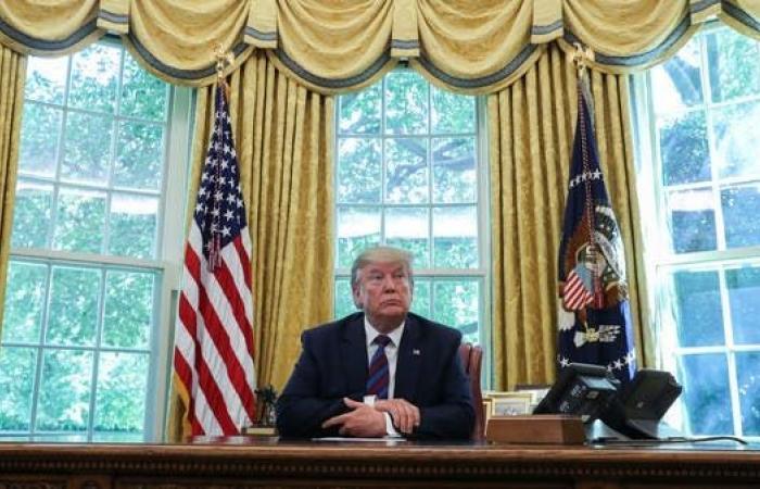 """ترمب يرفض طلب """"آبل"""".. ويرد: اصنعوها في أميركا"""