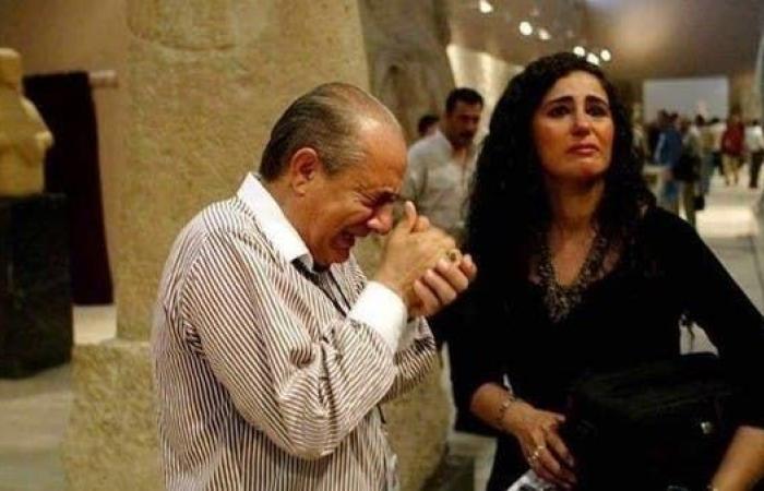 العراق   صاحب الصورة المؤثرة بمتحف بغداد: انهرت باكيا لهذا السبب