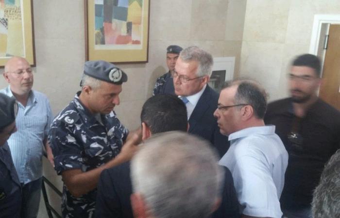 """إخلاء حرم الـ""""كواليتي إن"""" في طرابلس"""