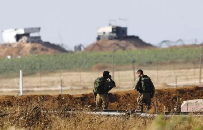 فلسطين | الإعلام العبري: إلقاء عبوة أنبوبية باتجاه قوة اسرائيلية على حدود غزة