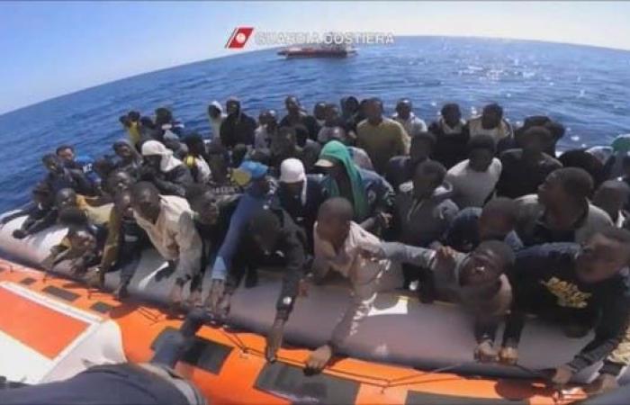 البحرية المغربية تنقذ 424 مهاجرا في المتوسط