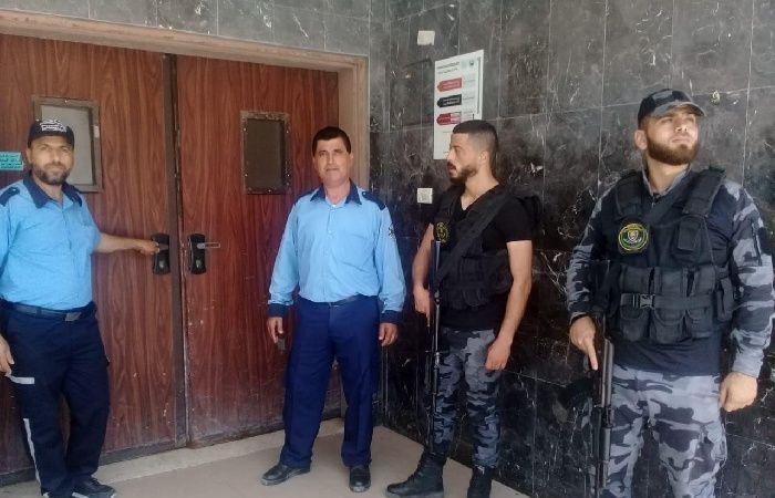 فلسطين   الصحة تستنكر الاعتداء على طبيب وتعلق العمل بمجمع الشفاء