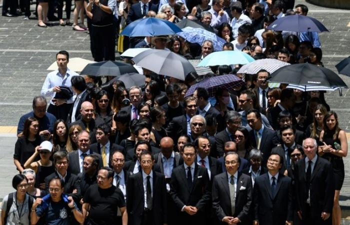 مسيرة صامتة للمحامين في هونغ كونغ دعما للمتظاهرين