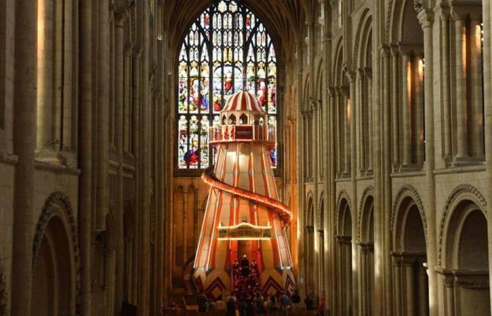"""كاتدرائية بريطانية تضع """"زحليقة"""" لجذب الزائرين!"""