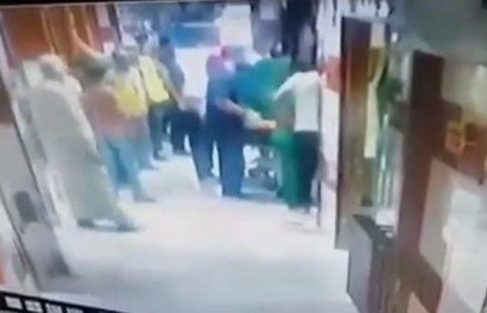 سوريا   شاهد ما جرى لطبيب سوري يركض مذعوراً في مستشفى!