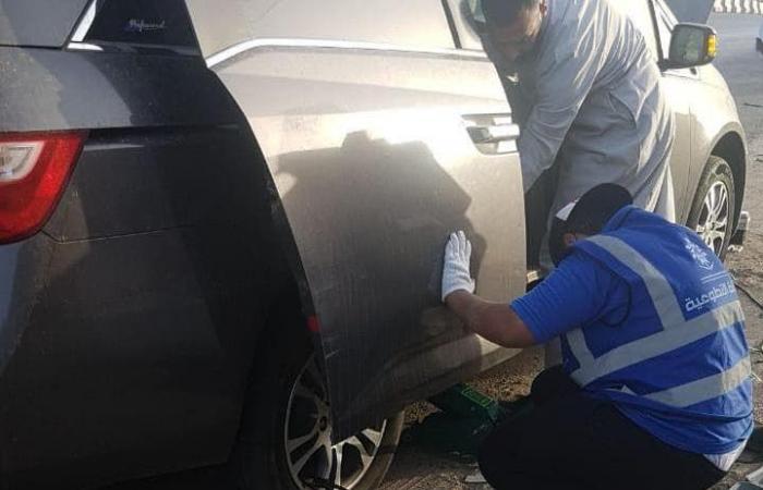 الخليح | سعوديون يتطوعون لإصلاح مركبات الحجيج المتعطلة