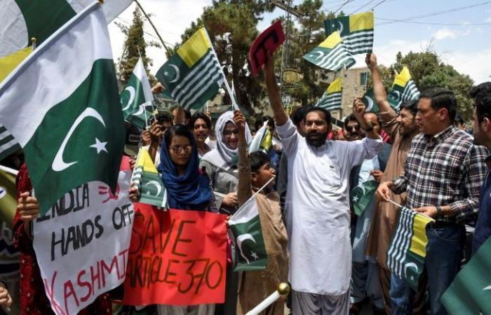 رئيس وزراء باكستان يهاجم المجتمع الدولي بسبب كشمير
