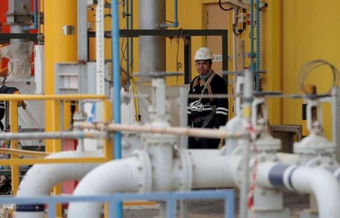 السعودية تستحوذ على حصة في أكبر مصفاة للنفط في العالم