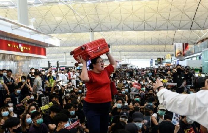 ترمب: الصين ترسل قوات إلى حدود هونغ كونغ