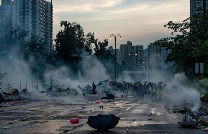 """الأمم المتحدة تطالب """"بتحقيق"""" حول العنف في هونغ كونغ"""