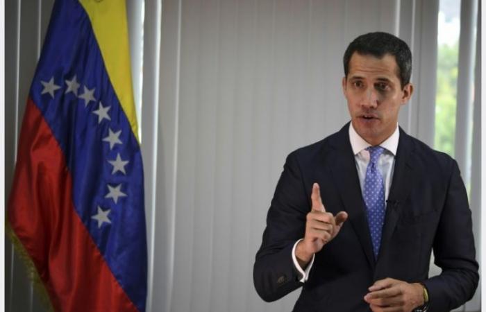 غوايدو يحذر مادور من عواقب الدعوة لانتخابات تشريعية جديدة
