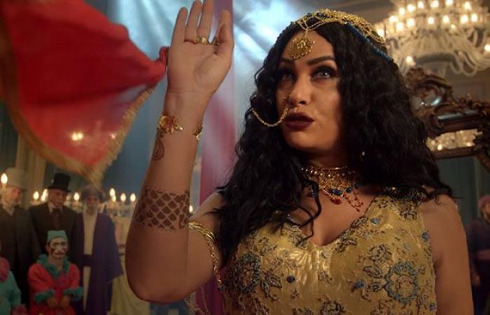 """هند صبري ترد على الانتقادات والتحذيرات من مشاهدة فيلم """"الفيل الأزرق 2""""!"""