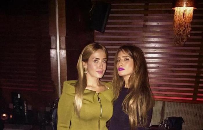 زينة وشقيقتها أمام القضاء بعد مُشاجرة مع أحمد عز!