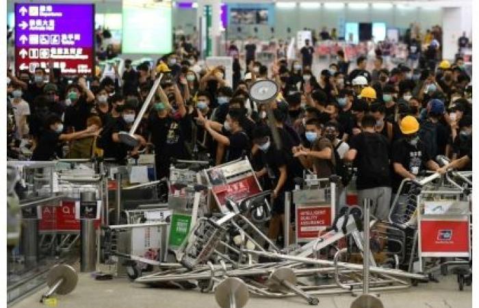 قلق أميركي إزاء التحركات الصينية على الحدود مع هونغ كونغ