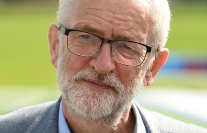 المعارضة البريطانية تحض على الاطاحة بجونسون