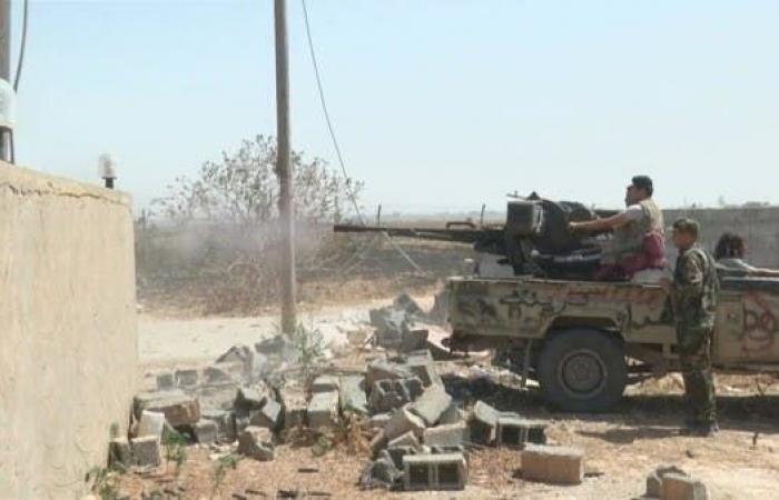 الجيش الليبي يستهدف مقر اللواء الرابع بالعزيزية في طرابلس