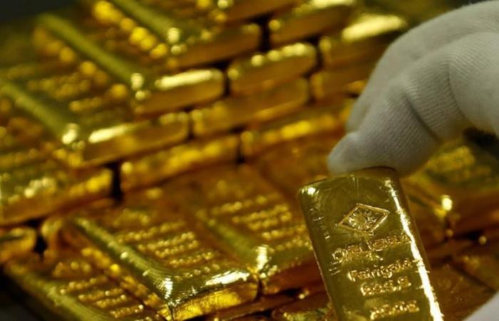 إذا كنت تفكّر بشراء الذهب! إليك سعر الأونصة الجديد!