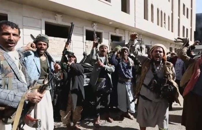 اليمن | ميليشيا الحوثي تصعد بالحديدة.. تدمير طرقات وقطع اتصالات