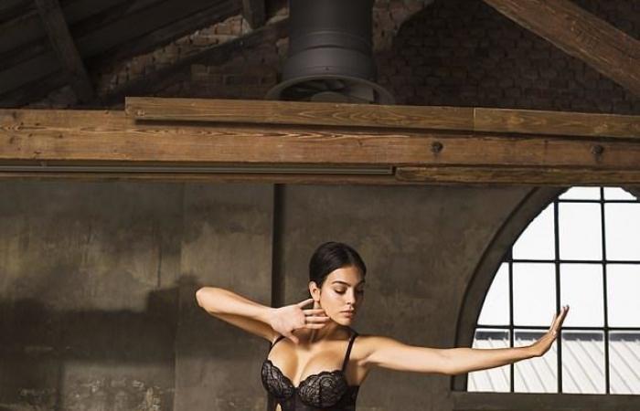 حبيبة كريستيانو رونالدو ترقص الباليه باللانجيري لصالح هذه العلامة!