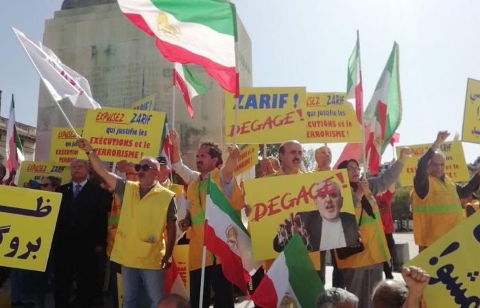 إيران | إيرانيون يتظاهرون في باريس ضد زيارة ظريف