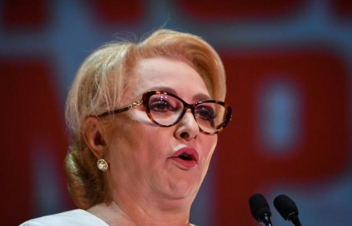 رئيسة حكومة رومانيا تريد مقاضاة رئيس البلاد