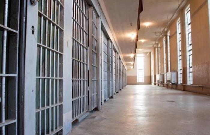 العراق | العراق يعتقل مَنْ هرّب تجار مخدرات من السجن