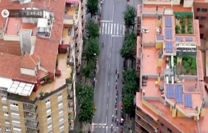 سباق دراجات يكشف جريمة فوق سطح مبنى