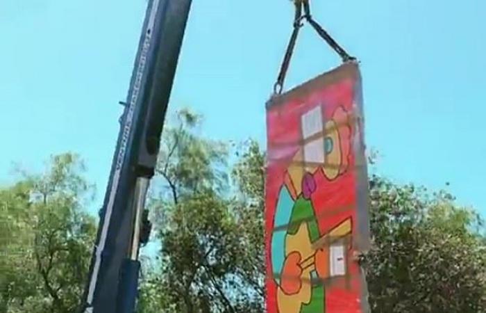 هايدي كلوم تتلقى هدية غريبة من زوجها.. ما علاقة جدار برلين؟