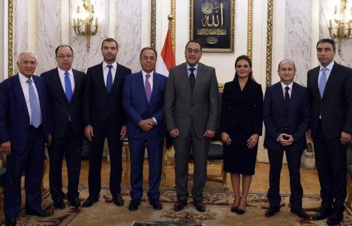رئيس الوزراء المصري: مستعدون لمساعدة لبنان