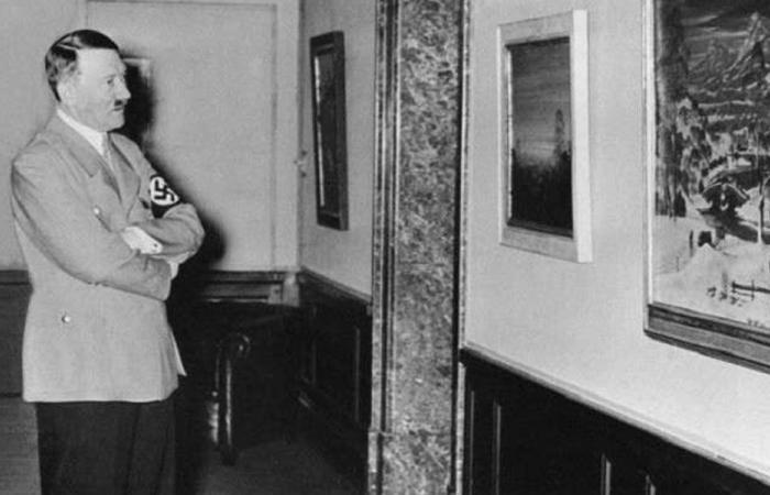 """بعد 75 عاما.. """"هتلر"""" باق بالبرلمان الفرنسي"""
