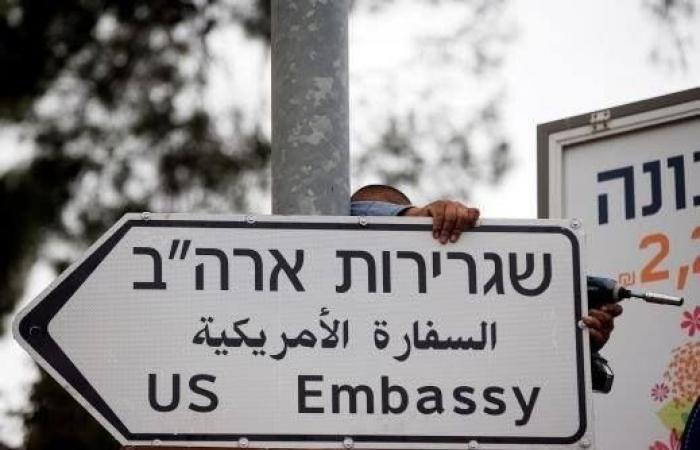 فلسطين   جدار بارتفاع 6 أمتار حول السفارة الأمريكية بالقدس
