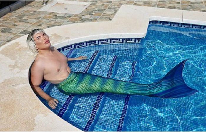 المُثير للجدل الدّمية الإنسان كين: السباحة بذيل الحورية تُسرّع عملية فقداني لوزني!