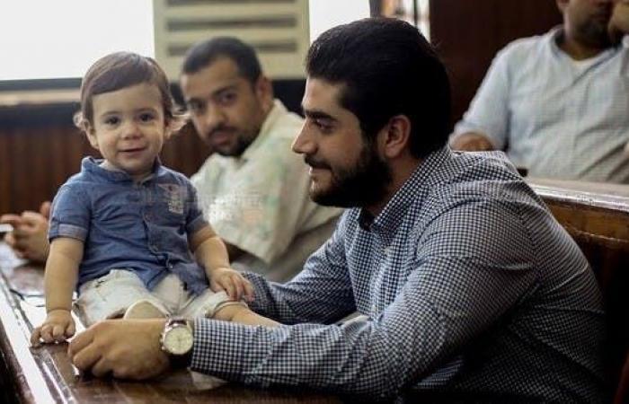 مصر   دفن جثمان نجل مرسي بجوار والده
