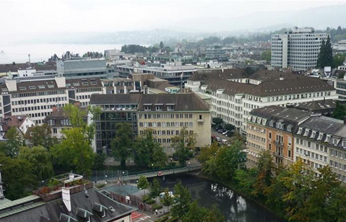 بنك سويسرا المركزي يستبعد طبع نقود وتوزيعها على المواطنين