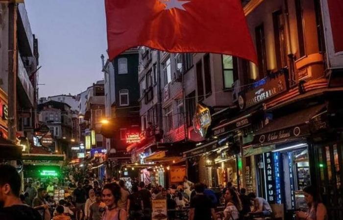 'خلل خفي' في اقتصاد تركيا.. وصهر أردوغان يعمق الأزمة