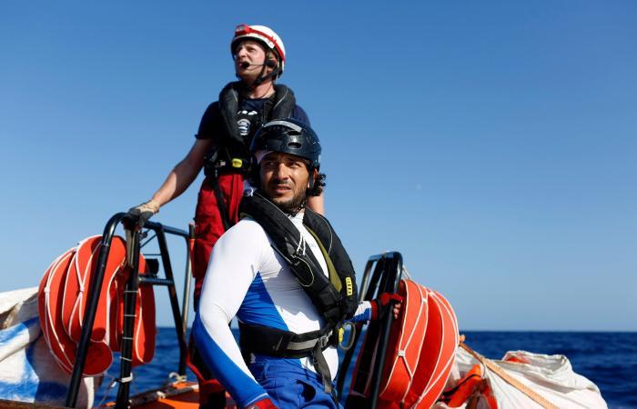 مصر | مصري نجا من الغرق قبل 15 عاماً يساعد المهاجرين بعرض المتوسط