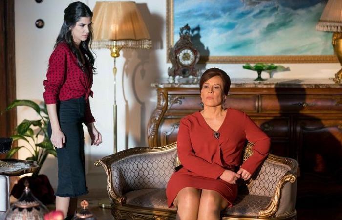 """كارمن بصيص تلفت الأنظار في """"عروس بيروت"""" بعد عرض حلقاته الأولى!"""