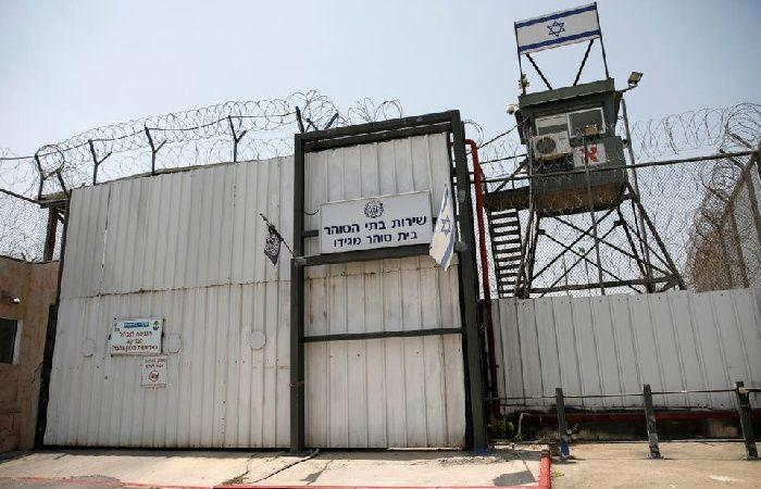 فلسطين   الأسرى يعيدون وجبات الطعام للمطالبة بتسليم جثمان الشهيد السايح