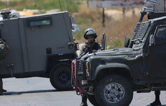 فلسطين   الاحتلال يصيب ويحتجز عددا من المواطنين غرب رام الله