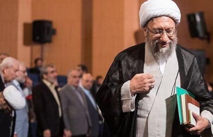إيران | مقرب من خامنئي: رغم تفشي الفساد يجب حماية النظام