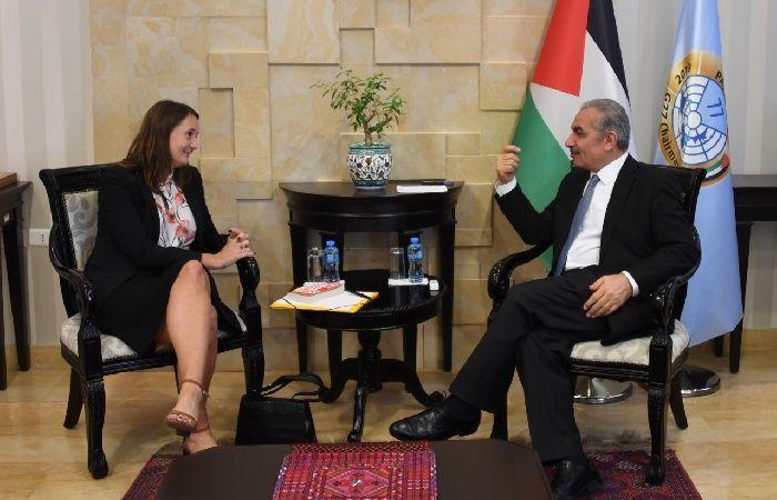 فلسطين | اشتية يبحث مع القنصل السويدي دعم المشاريع التنموية